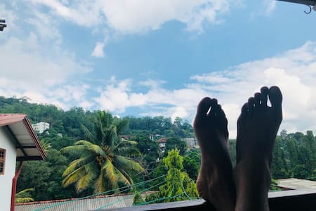 Kandy Lake Home Stay