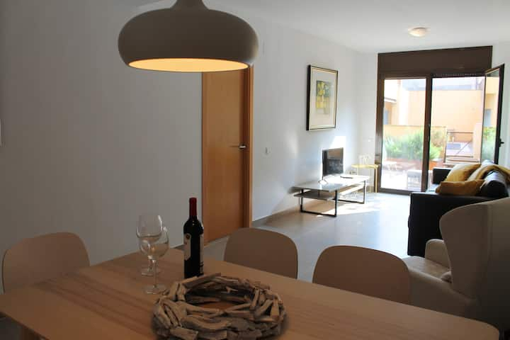 Torroella, modern apartment on the ground floor