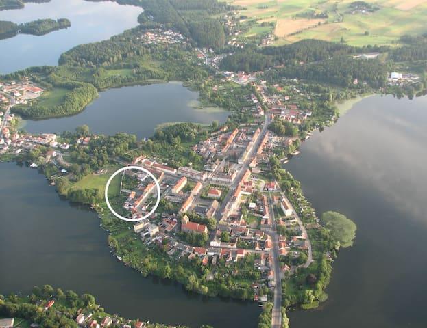 """Ferienwohnungen """"Wiekhaus am See"""" romantisch"""