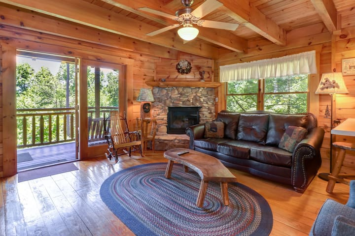 Gorgeous cabin w/ hot tub, forest views, & entertainment - dogs OK!