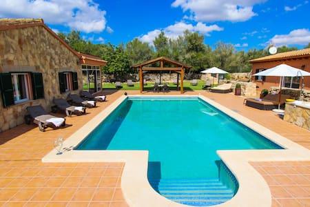 Fabulosa finca para 25 personas con piscina - Algaida