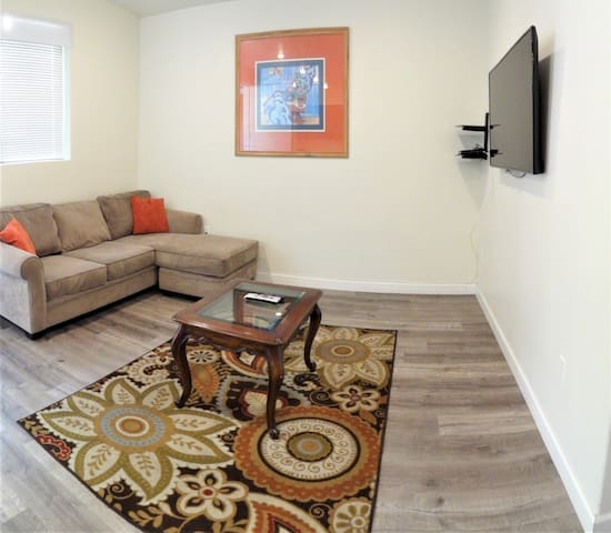 2 Bd/2 Bth Cozy Beautiful Apt Near Studio City