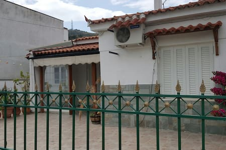 BORGOS VILLA CLOSED TO THE SEA - GR