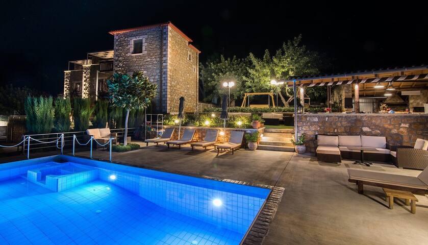 Villavia Apartments