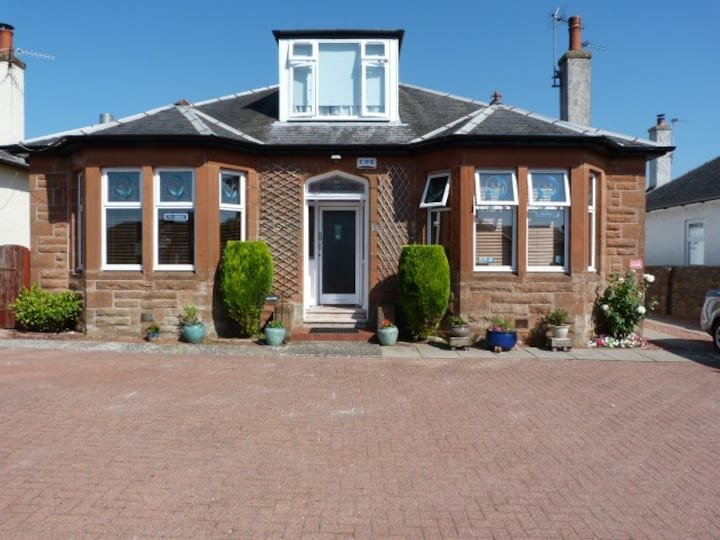 Tighnaligh Holiday Villa Rental, Largs.