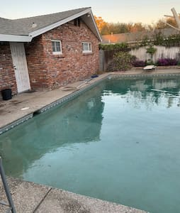 Cozy 3 bdrm rambler w/large POOL & wood stove