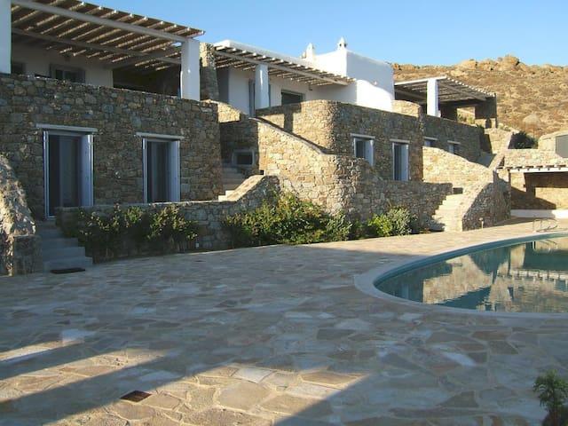 Lia Luxury Villa