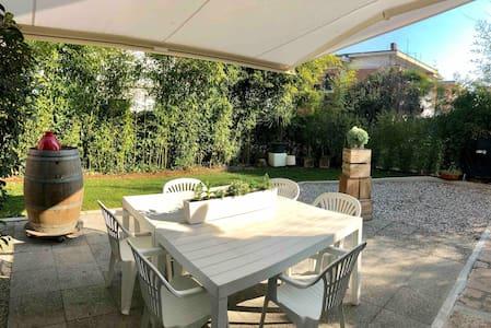 Sig.Nilson- Appartamento con giardino privato
