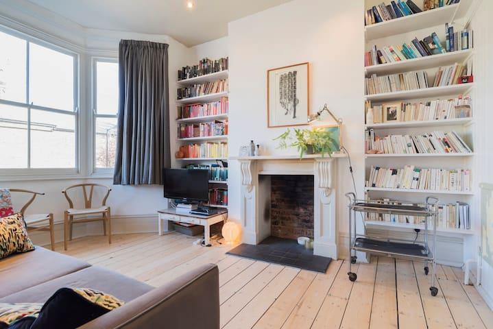 Bright, one bedroom, Victorian flat