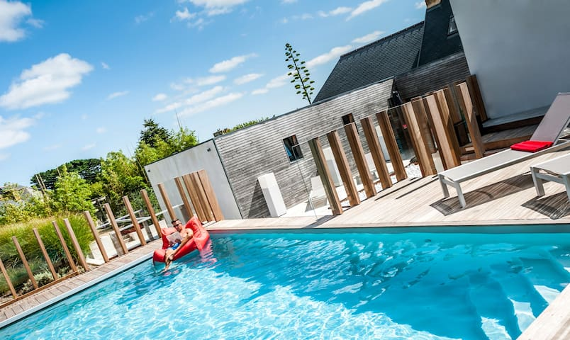 5* designer cottage with sea view, pool and spa - Penvénan - Dom