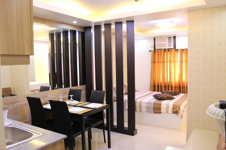 Oriental Themed Room Near SM & Robinsons Galleria