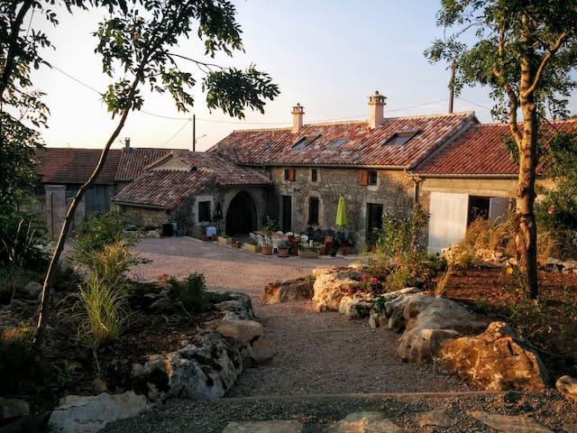 Les Fadarelles - La Cavalerie - Huis