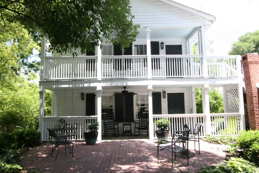 Craven carriage house