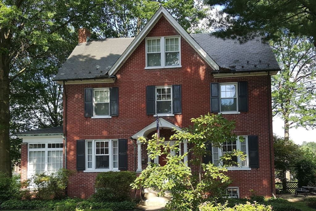 1924 Colonial Home