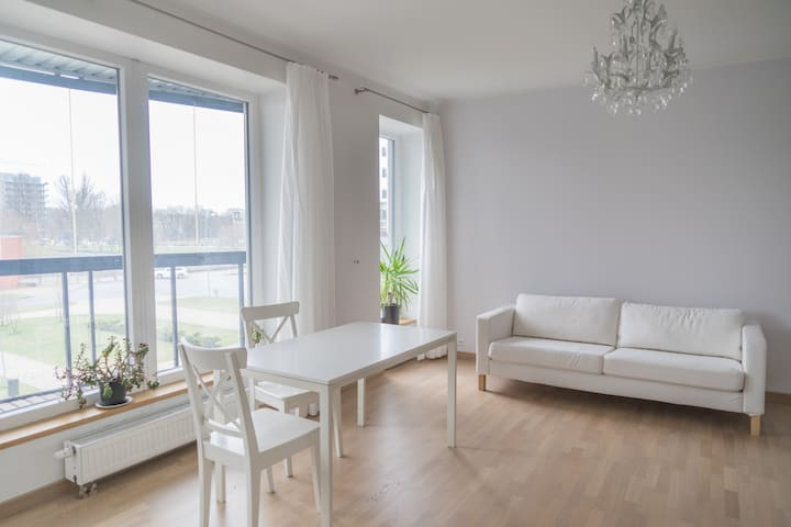 A white 2-room flat in a new building - Rīga - Apartment