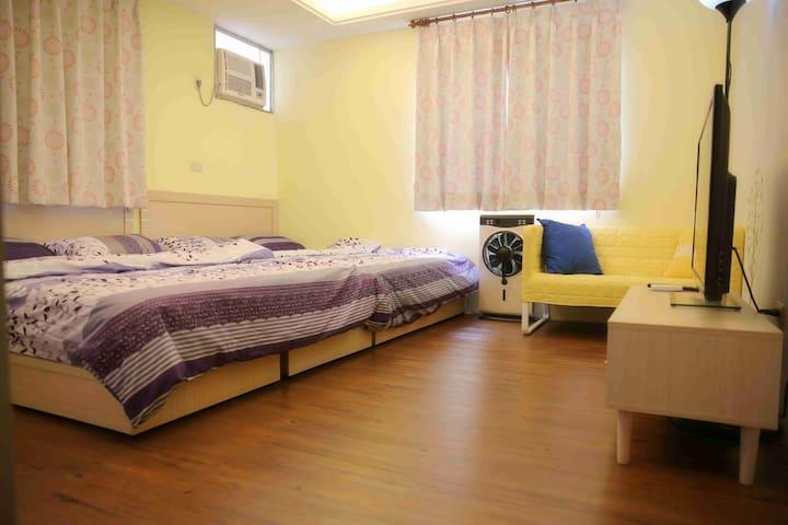 黃色小鴨四人房 YELLOW DUCK 2 Double bed room