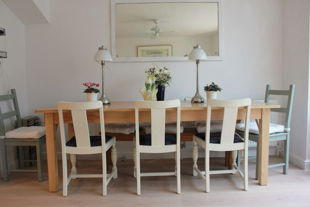 Dining seating for eight