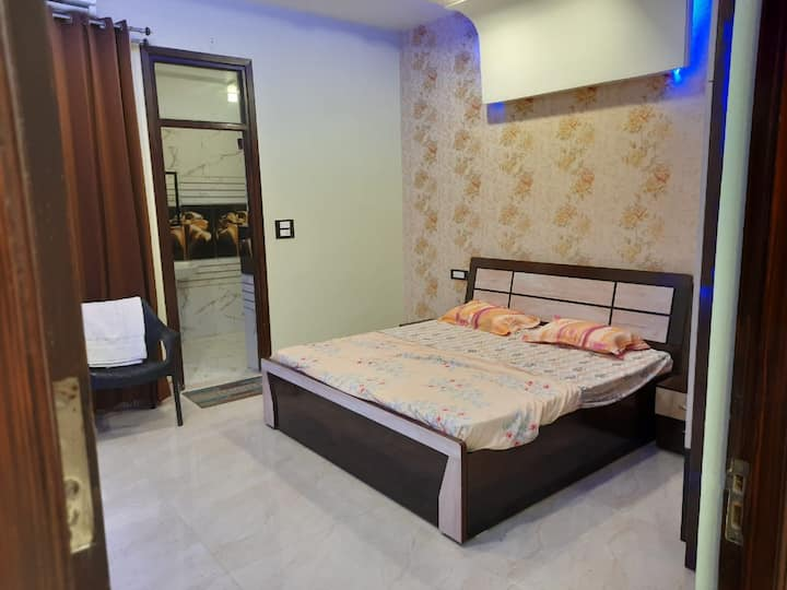 well furnished 3bhk flat ,gms road