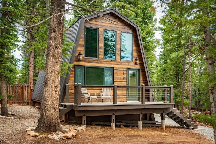 Cozy Cabin for 6 in Duck Creek, near Zion & Bryce
