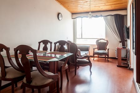 Great Lovely Room close to Airp - Bogotá