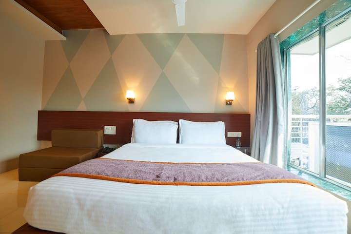Executive room with all meals @lonavala.