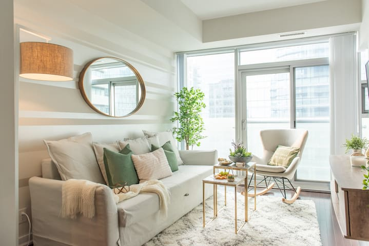 2 Bedroom + Sofabed - Entertainment District, MTCC