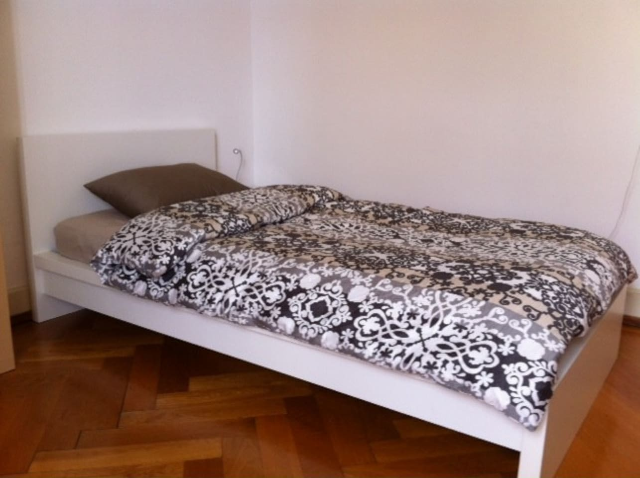 Comfortable warm bed for one person. Mattress on the floor available for a second person, 30.- euros/night