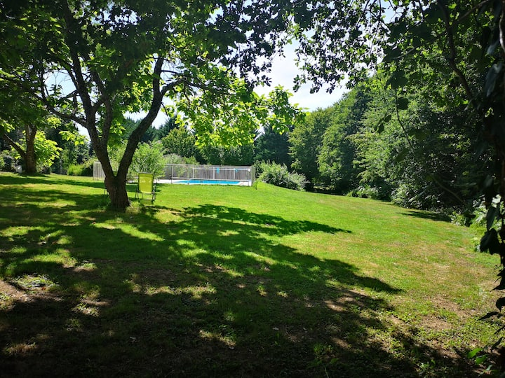 Gite Marguerite with 10 metre pool in the Dordogne