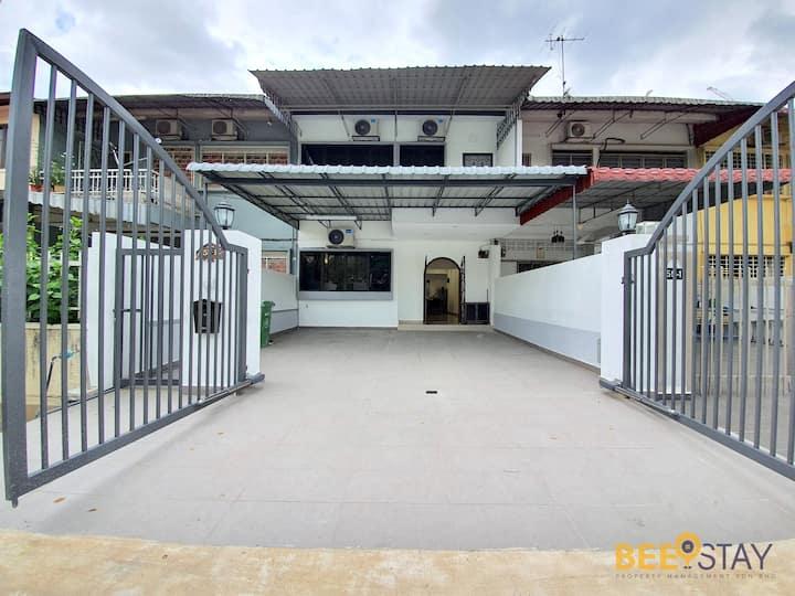 Duta Terrace House | Free 100Mbps Unifi & Njoi TV