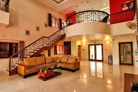 River - 5 Bed Pool Lonavala Villa - Villa