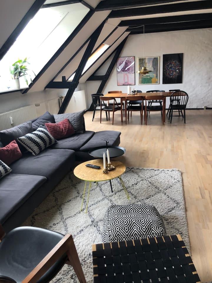Charmerende lejlighed i Øgaderne