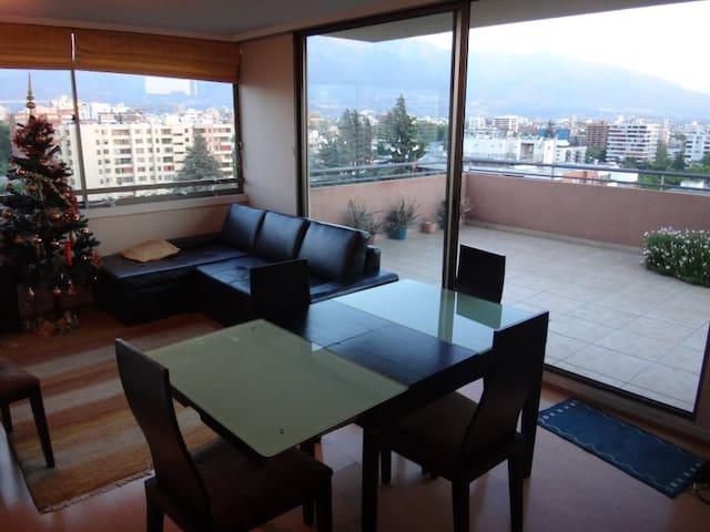 Amplio departamento con vista espectacular - Providencia - Appartamento