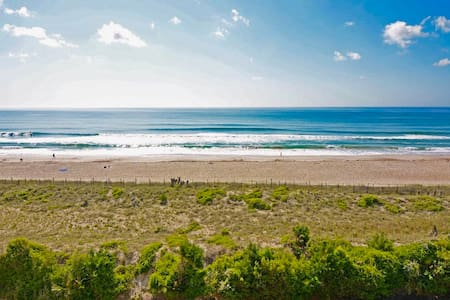 Oceanfront Condo in Heart of Wrightsville Beach
