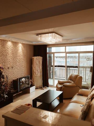 舒适温馨的家,白天西湖边散步,傍晚钱塘江边听涛。convenient - 杭州 - Pis