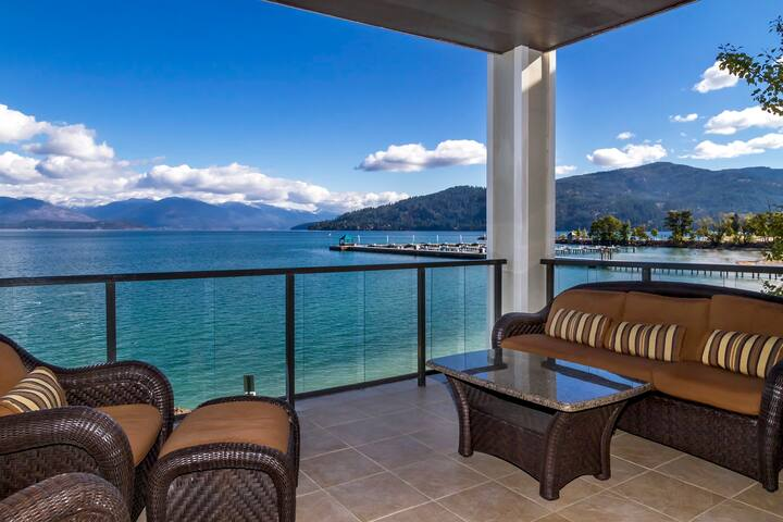 Luxury Lakefront Condo at the Seasons at Sandpoint