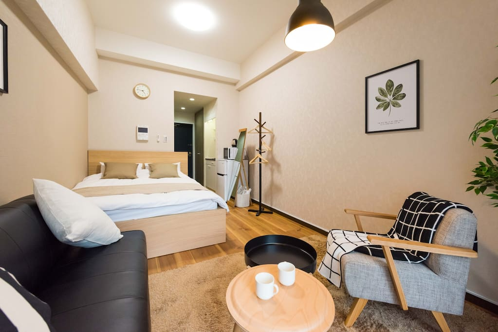Overview of the room,  cozy and comfortable,welcome. 房间全景,整洁舒适,欢迎入住!