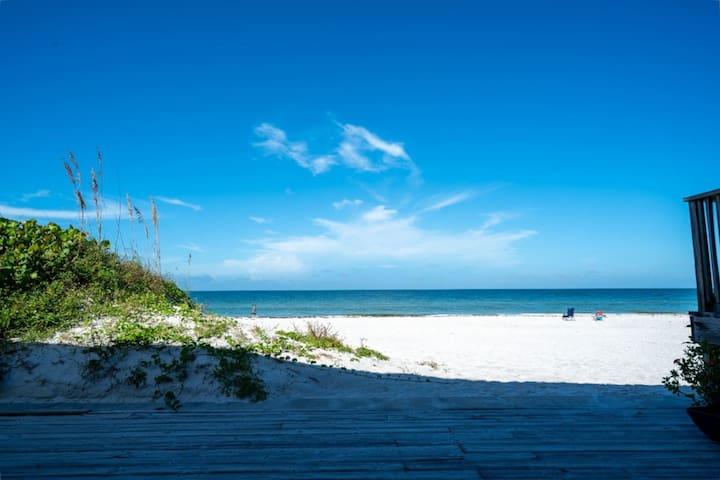 15 STEPS TO THE BEACH! ENJOY OUR FAMILY BEACH PARADISE!
