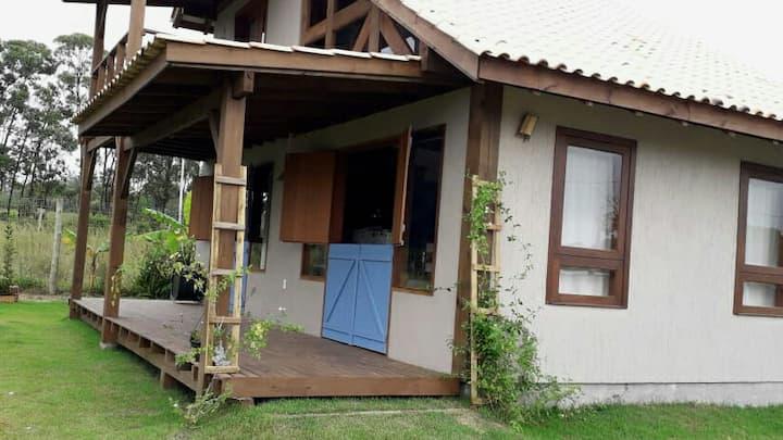 Casa com visual para a lagoa de ibiraquera/rosa