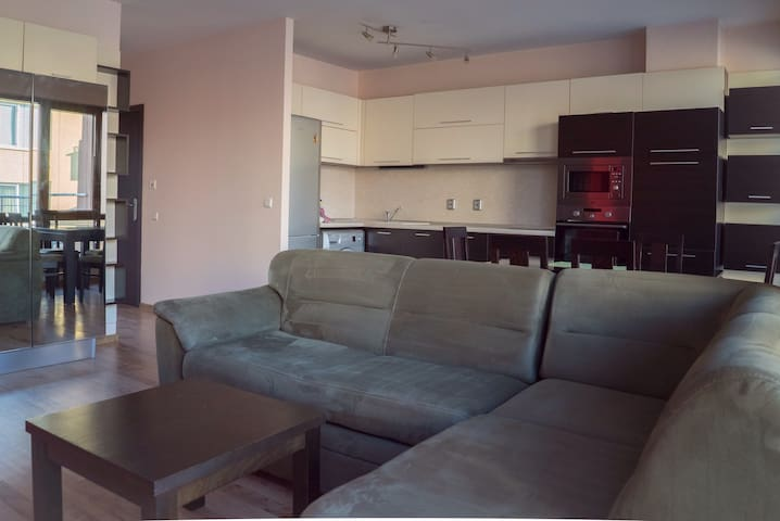 Modern apartment with great location in Varna - Varna - Wohnung
