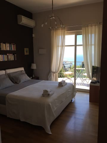 Luxury villa with swimmingpl Room C - Pozzuoli - Bed & Breakfast