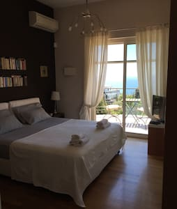Luxury villa with swimmingpl Room C - Pozzuoli - Aamiaismajoitus