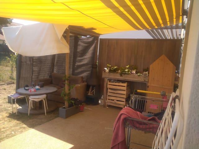 Chambre dans rez-de-jardin