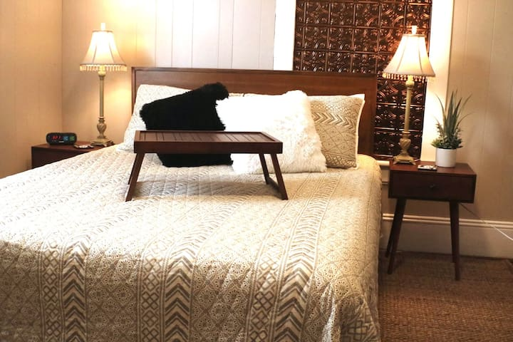 Bedroom #1 - Queen size bed
