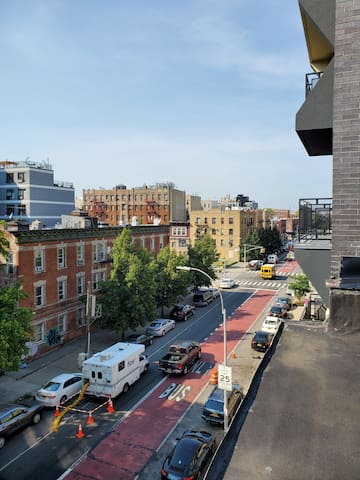 Enjoy PLG(Prospect Lefferts Garden)and explore