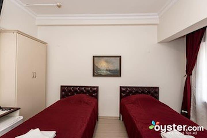 GUZEL IZMIR HOTEL Guzel Izmir Oteli Güzel İzmir