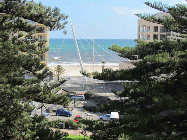 Magnificence at Liberty Towers - Glenelg - Apartamento