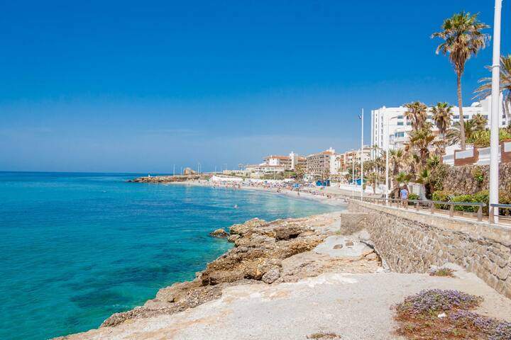 Torrecilla Playa Zorrilla Nerja Canovas CN