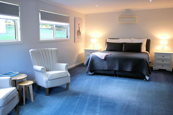 Huge, separate bedroom with kingsize bed and luxury linen