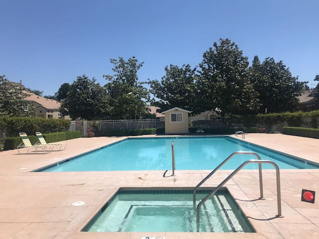 Cozy S. San Jose Room w/pool* & Hot Tub off 85/101