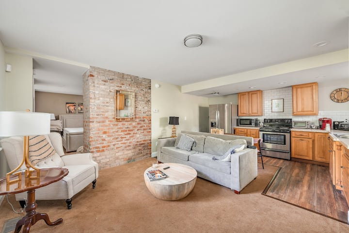 Renovated 1 Bed w/ Terrace-OTR, UC, Findlay Market